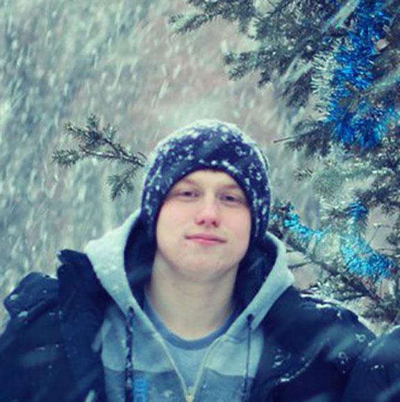 Алексей Котов - Младший backend-разработчик команды ZDM-auto