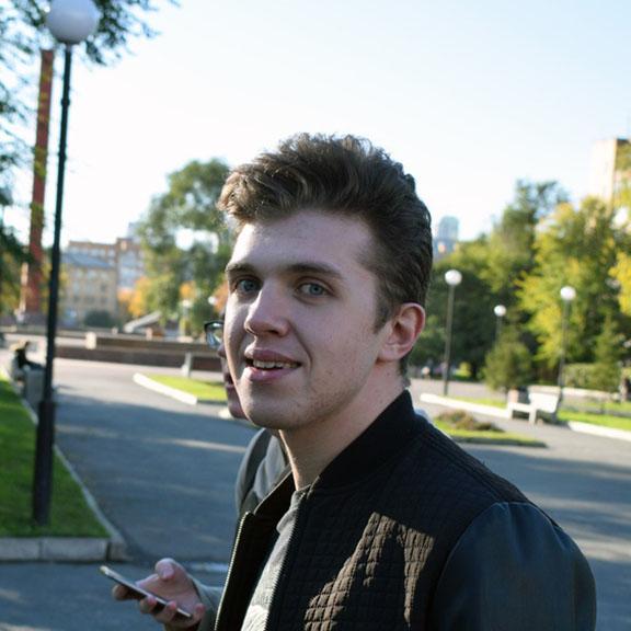 Антон Сидоренко - Младший frontend-разработчик команды ZDM-auto